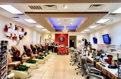 Royal Nails & Spa - Pearland, TX