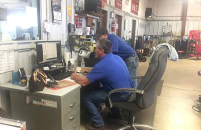 Chrisu0027s Repair LLC   Garden City, KS