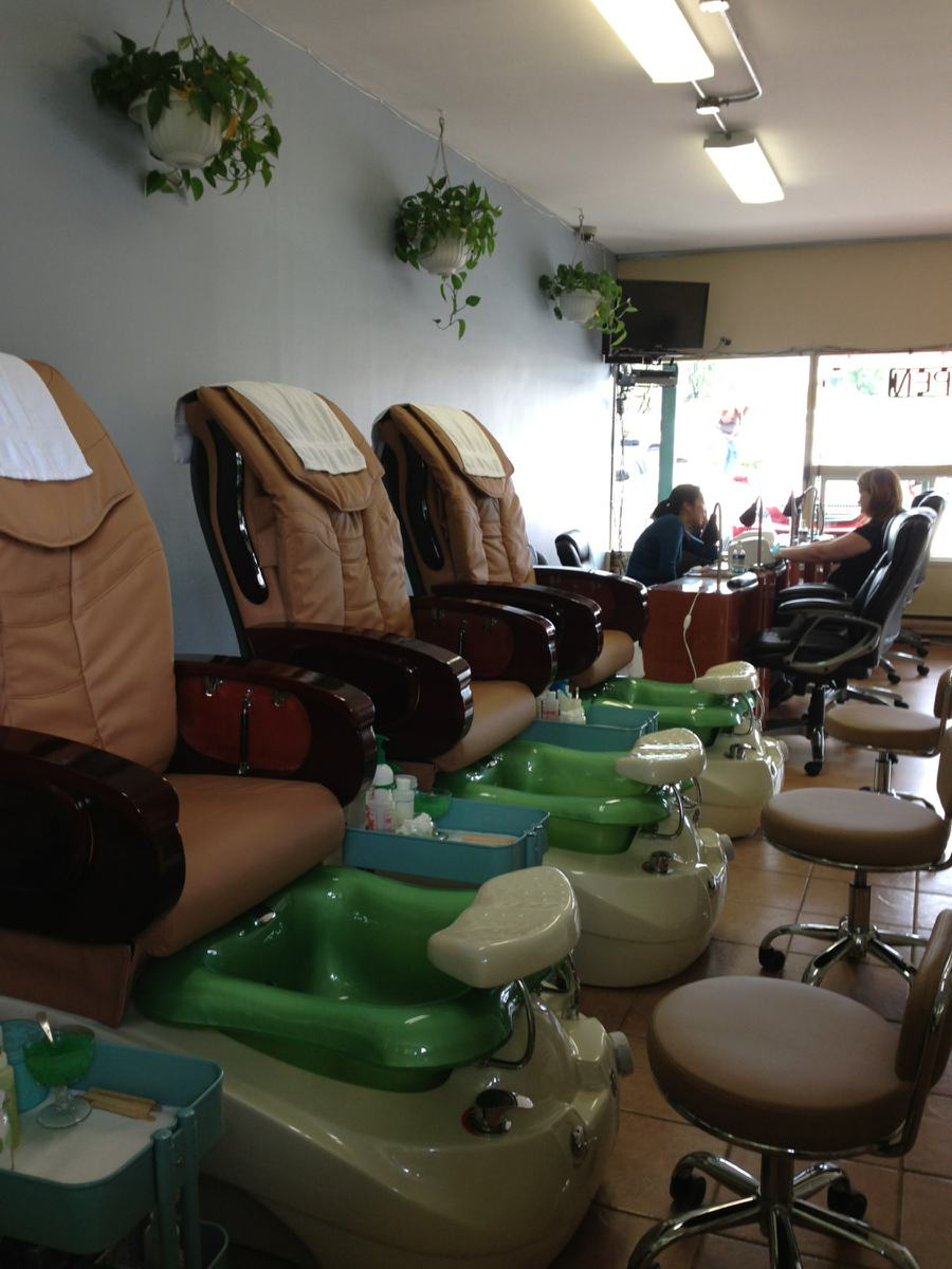 Ultimate Nails 15509 1st Ave S, Burien, WA 98148 - YP.com