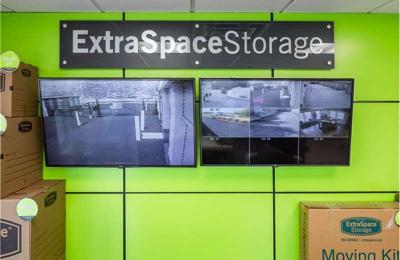 Bon Extra Space Storage   Auburn, MA