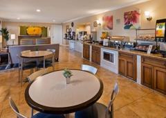 Best Western Plus Pleasanton Inn - Pleasanton, CA