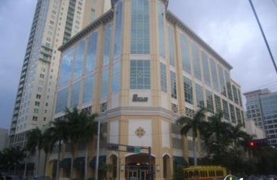 Raymond James & Trust Co - Fort Lauderdale, FL
