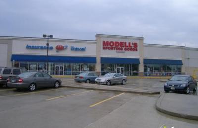 Modell's Sporting Goods - Woodbridge, NJ