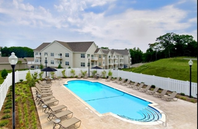Independence Place Apartments - Cranston, RI