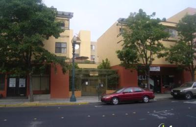 Redwood Plaza Apts - Redwood City, CA