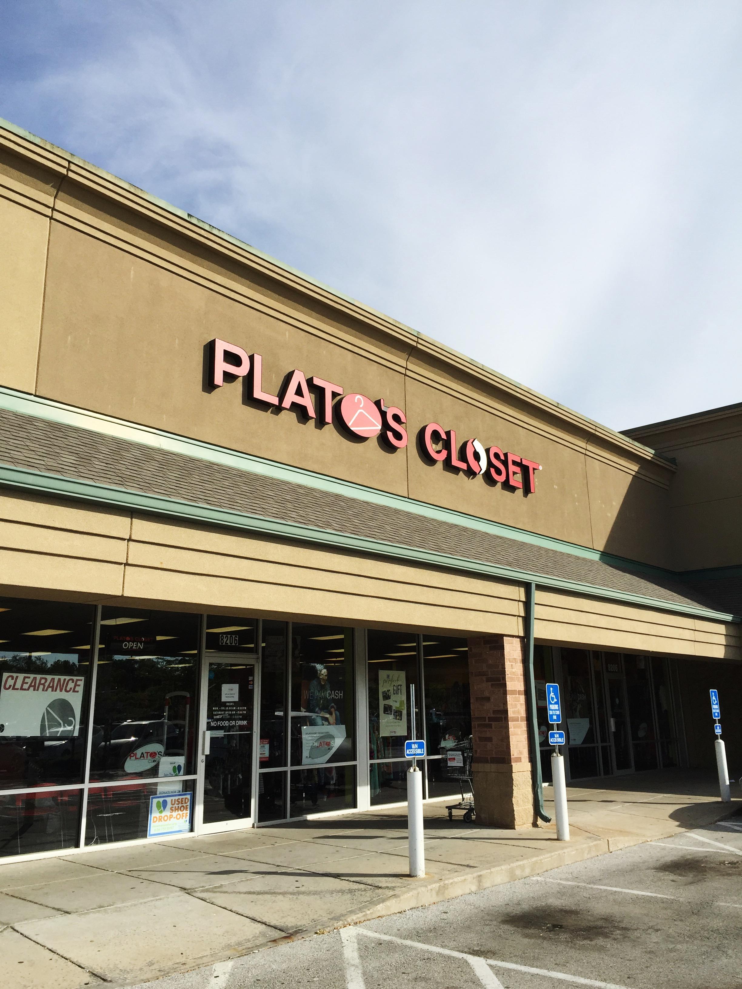 Plato S Closet 236 Mid Rivers Ctr Saint Peters Mo 63376 Yp Com
