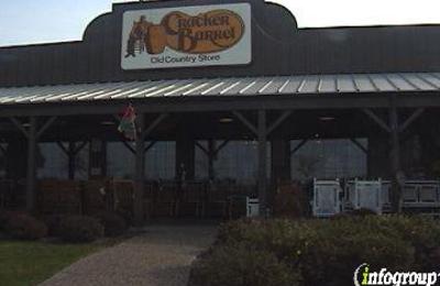 Cracker Barrel Old Country Store - Davenport, IA