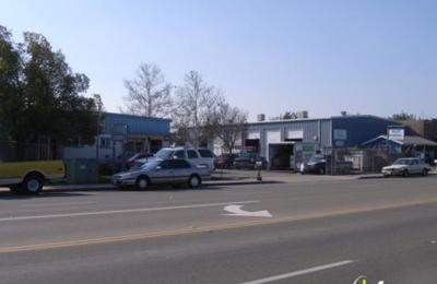 Charlie's Automotive - Clovis, CA
