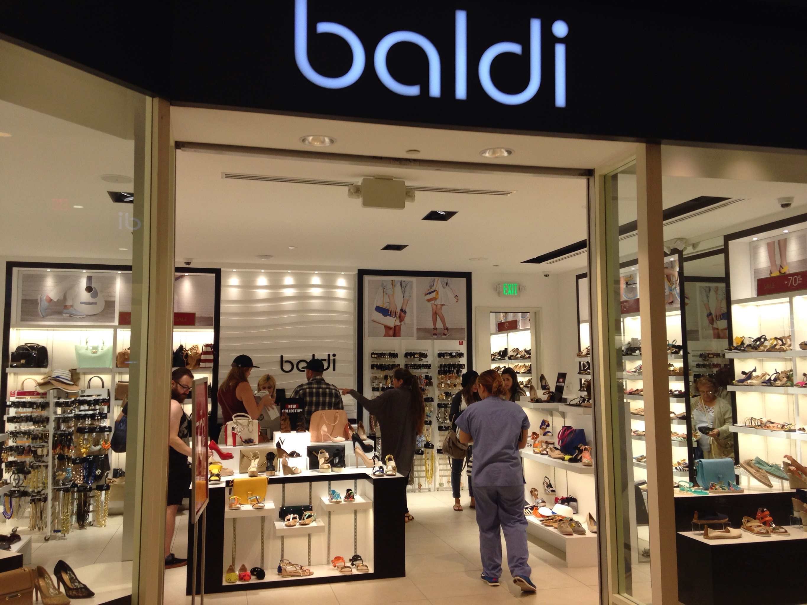 South Bay Galleria Mall Shoe Stores