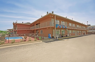 Americas Best Value Inn - Columbia, MO