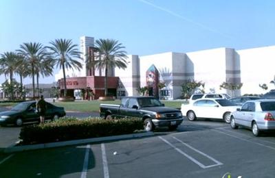 Regal Cinemas Garden Grove 16 - Garden Grove, CA