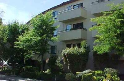 Willow Circle Condominiums - Burlingame, CA