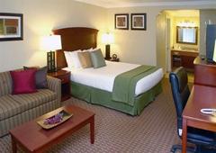 Quality Inn & Suites Santa Cruz Mountains - Ben Lomond, CA