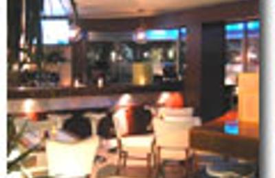 Oliver Cafe I Lounge - Beverly Hills, CA