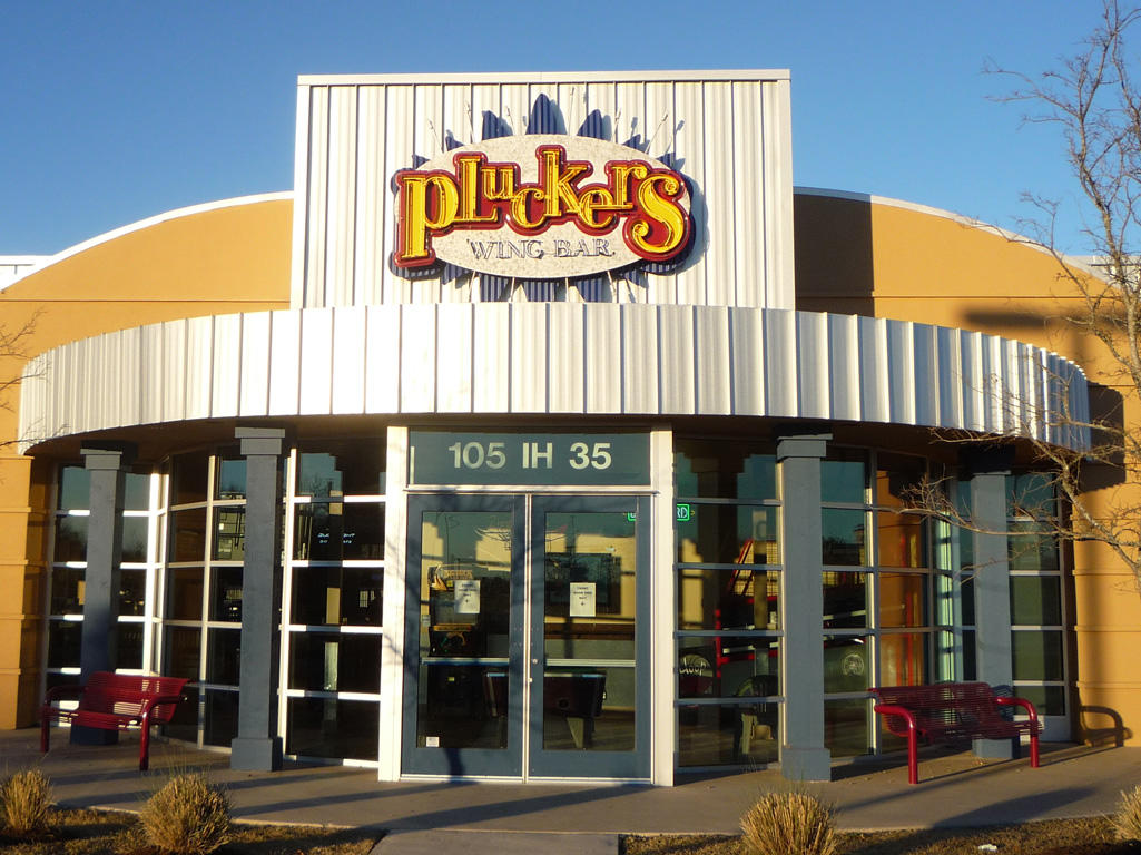 Pluckers Wing Bar Locations
