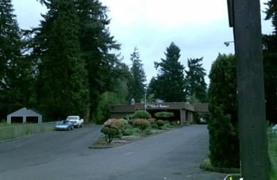 Mackin's Salmon Creek Auto Body - Vancouver, WA