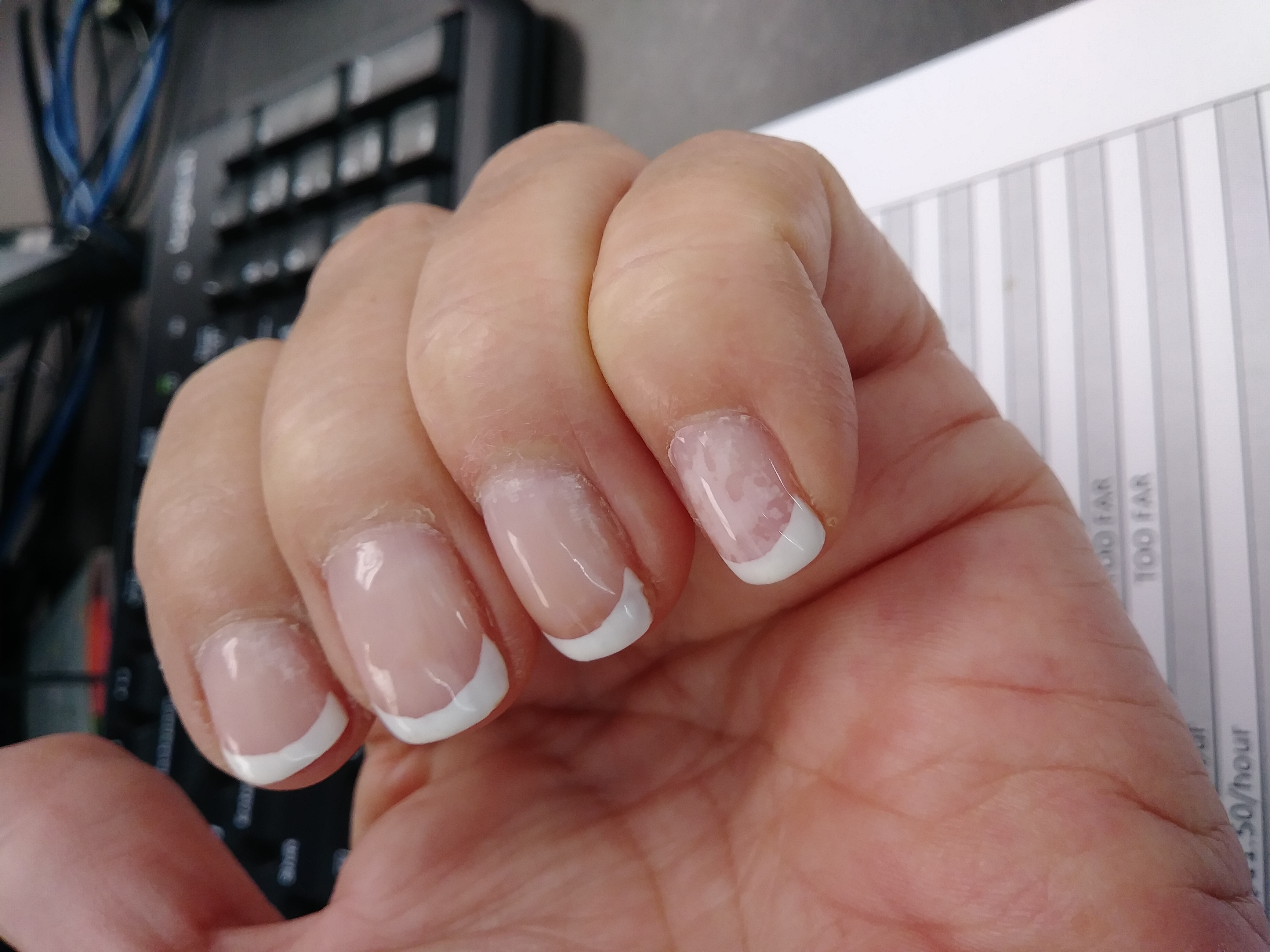 Luxury Nails And Spa Hutchinson Ks Embellishment - Nail Art Design ...