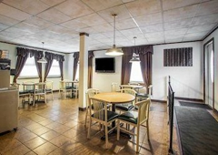 Econo Lodge - Hannibal, MO