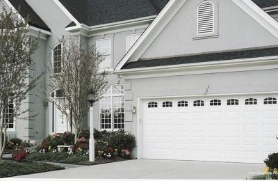 Better Garage Door Service   Milwaukee, WI. Amarr Stratford Door