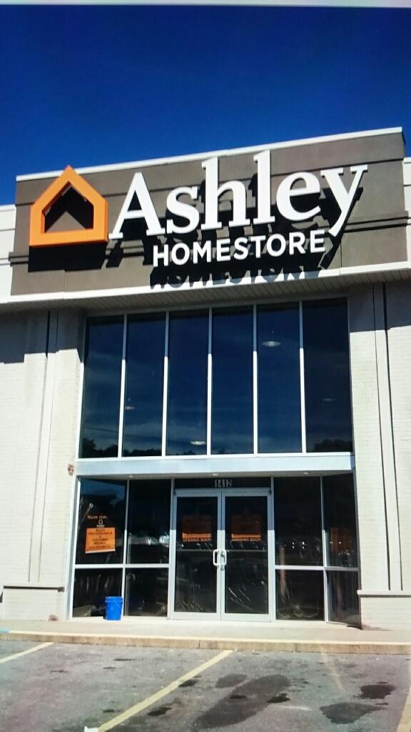 Ashley Homestore 1412 N Eisenhower Dr Beckley Wv 25801 Yp Com