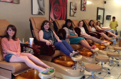 Lily'M Nail Salon - Edmond, OK