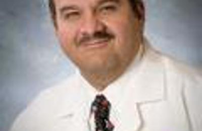 Xavier W Parreno MD - Waukegan, IL