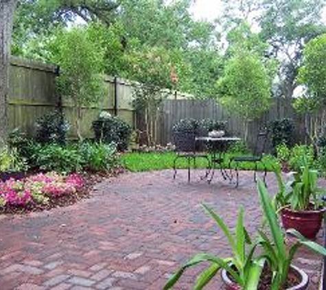 Exterior Designs Inc by Beverly Katz - New Orleans, LA