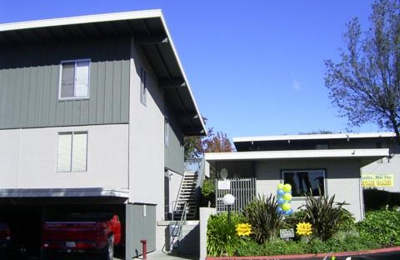Parkmead Apartments - Hayward, CA