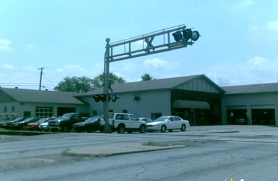 Andy's Auto Body & Towing - Madison, IL