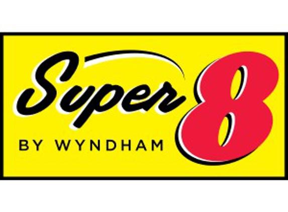 Super 8 by Wyndham Escanaba - Escanaba, MI