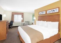 Baymont Inn & Suites - Smiths Creek, MI
