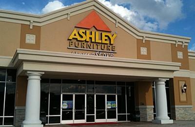 Etonnant Ashley HomeStore   Conroe, TX
