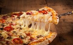 Gus's Pizzeria & Texas Weiners