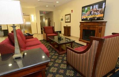 Hampton Inn & Suites Rockville Centre - Rockville Centre, NY