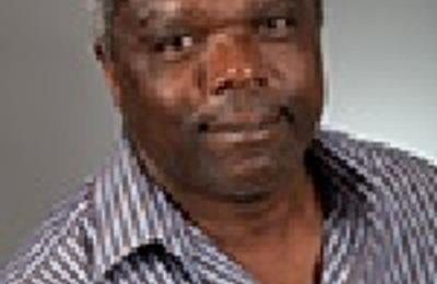 Dr. Esau M Simmons, MD - Boston, MA