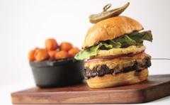 Cayton's Burger Bistro