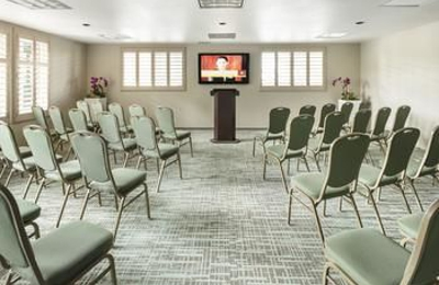 DoubleTree by Hilton Hotel Campbell - Pruneyard Plaza - Campbell, CA