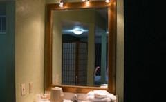 Cocomo Inn & Suites
