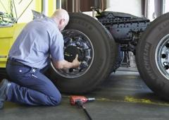 Mobile Semi Truck Trailer Repair Towing Tires Breakdown