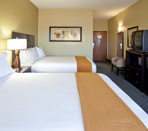 Holiday Inn Express & Suites Phoenix/Chandler (Ahwatukee) - Phoenix, AZ