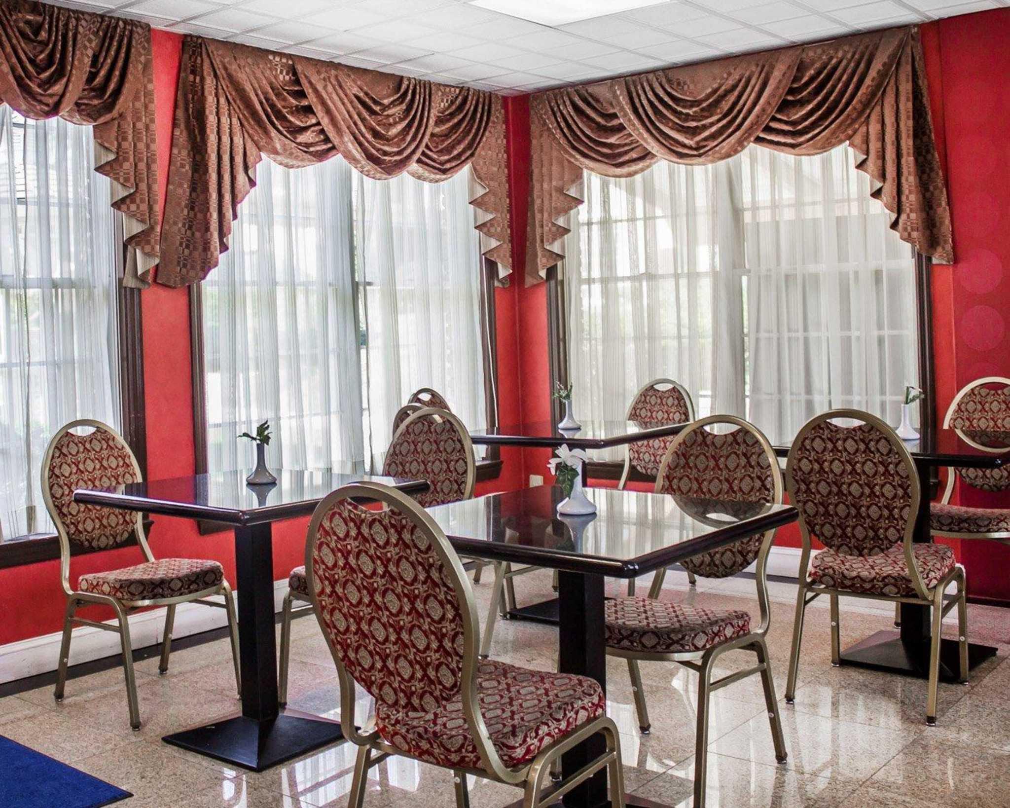 Rodeway Inn 270 W Jericho Tpke, Huntington Station, NY 11746 ...