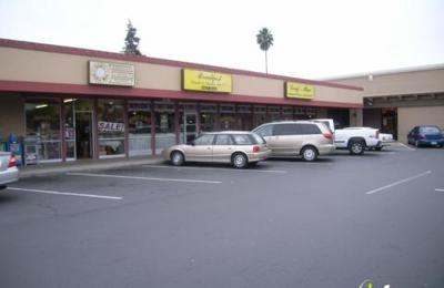 Doug's Place - Castro Valley, CA