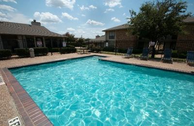 Center Place Apartments - Arlington, TX