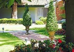 Lamp Liter Inn - Visalia, CA