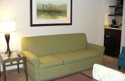 Embassy Suites By Hilton Kansas City Overland Park 10601