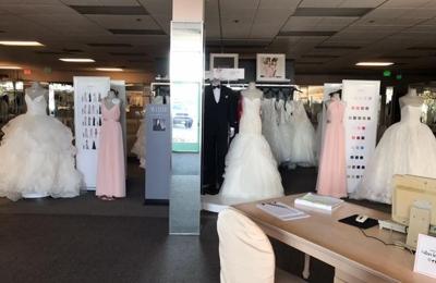 David's Bridal - Vista, CA
