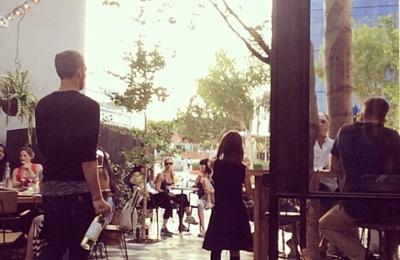 Zinque Melrose - West Hollywood, CA. Gorgeous patio