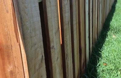 Elite Fence of Columbus - Plain City, OH. 4' Shadowbox Cedar Fence