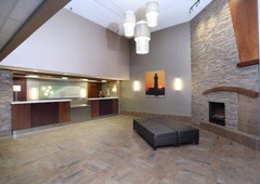 Holiday Inn Hotel & Suites Duluth-Downtown - Duluth, MN