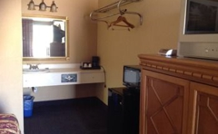 Homeplace Inn & Suites